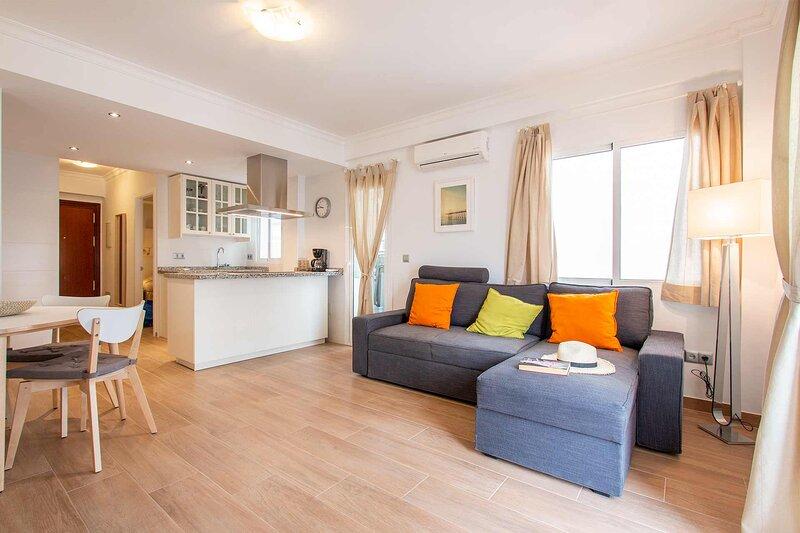 Apartamento al lado de la playa Torrecilla, alquiler vacacional en Nerja