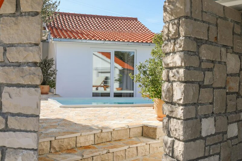 Three bedroom house Dračevica, Brač (K-18694), vacation rental in Nerezisca
