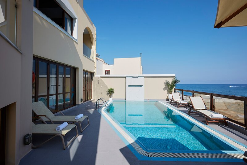 The villa is only 40 metres from the beach!