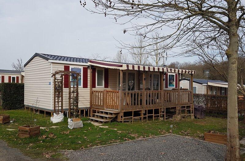 Mobil homes au sein du domaine de Dugny en Val de Loire, holiday rental in Saint-Nicolas-des-Motets