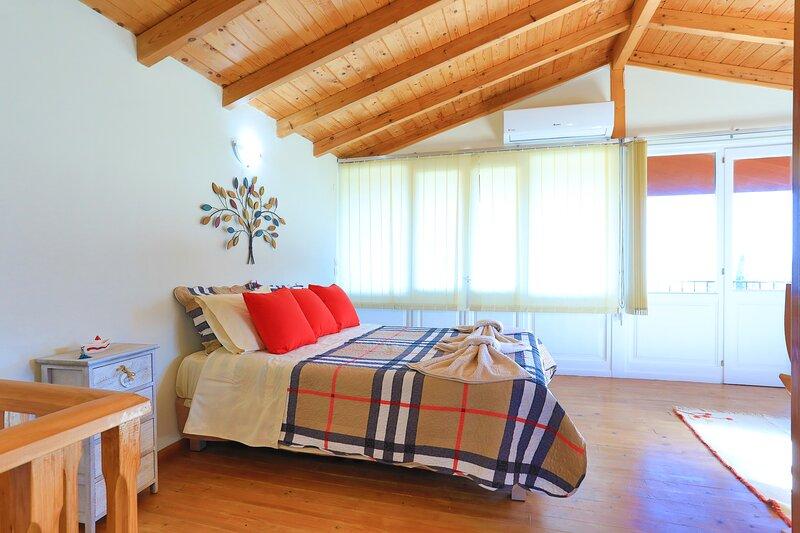 Village house, panoramic views, sleeps 4, holiday rental in Apraos