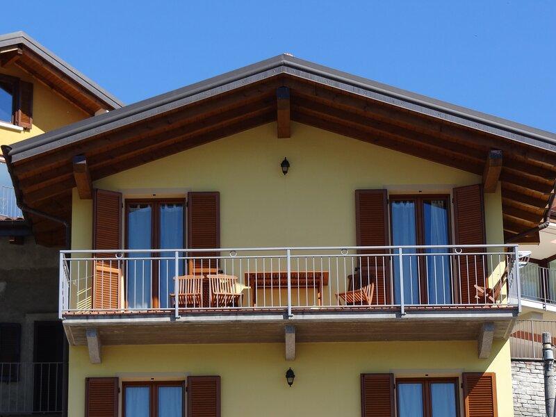 CASA GIALLA, holiday rental in Gravellona Toce