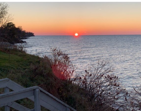Lake Erie waterfront with Expansive Views, holiday rental in Lake County