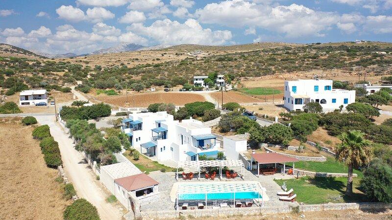 Aeraki studios - Discover Νάξος, holiday rental in Pyrgaki