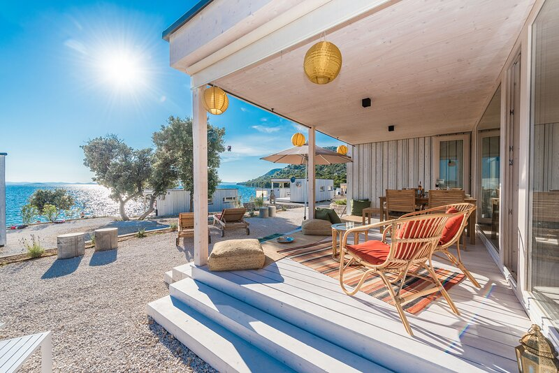 Croatian Beach House 42 - 2 BR - Buqez Eco Resort, holiday rental in Drage