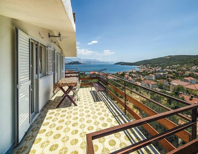 Andela - large terrace: A1(4+2) - Slatine, casa vacanza a Slatine