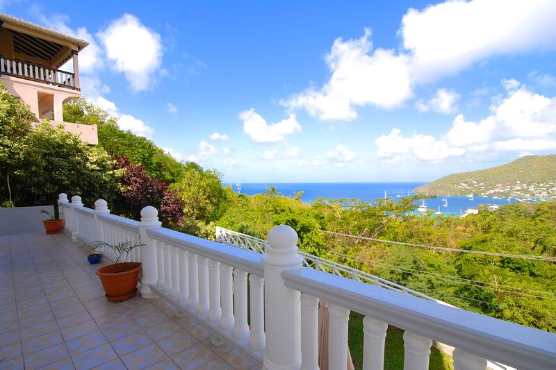 Caratal One Bed Apt, vakantiewoning in Bequia