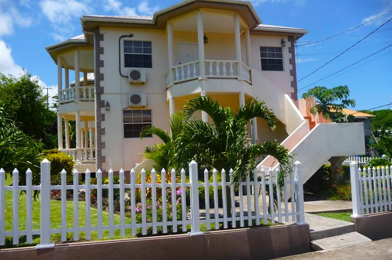 Grenada Golf & Beach Apartment 1, holiday rental in Calivigny