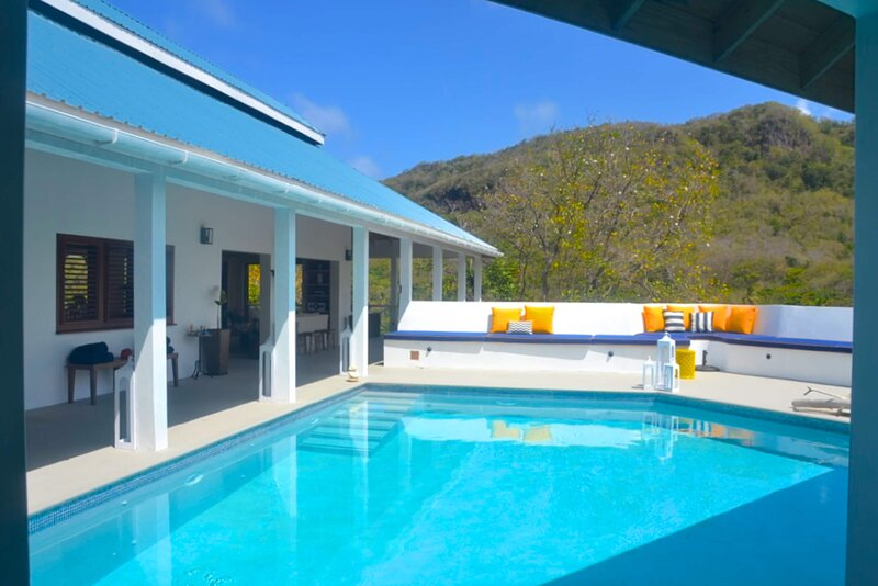 The Pineapple House, holiday rental in Spring Bay