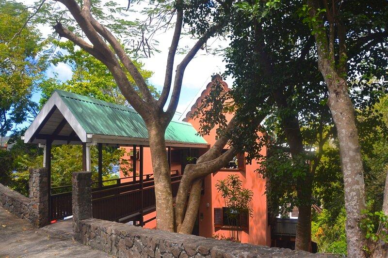 Three Trees, alquiler de vacaciones en Belmont