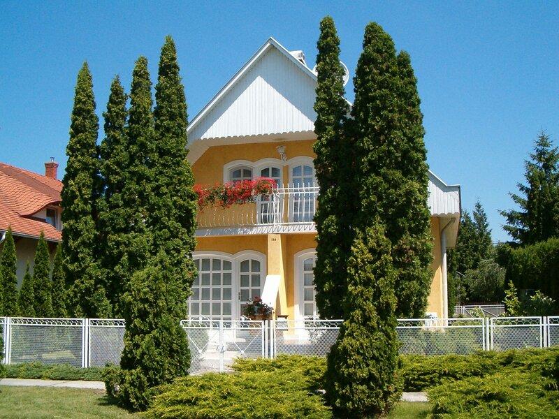Thuja, location de vacances à Balatonbereny