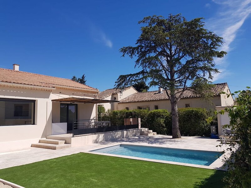 LS1-367 RADIOUSO, Rental in Provence with heated pool, location de vacances à Maussane-les-Alpilles