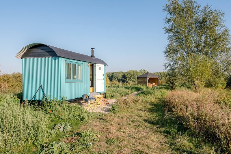 Delila, Kingfishers (Air Manage Suffolk), holiday rental in Brandeston
