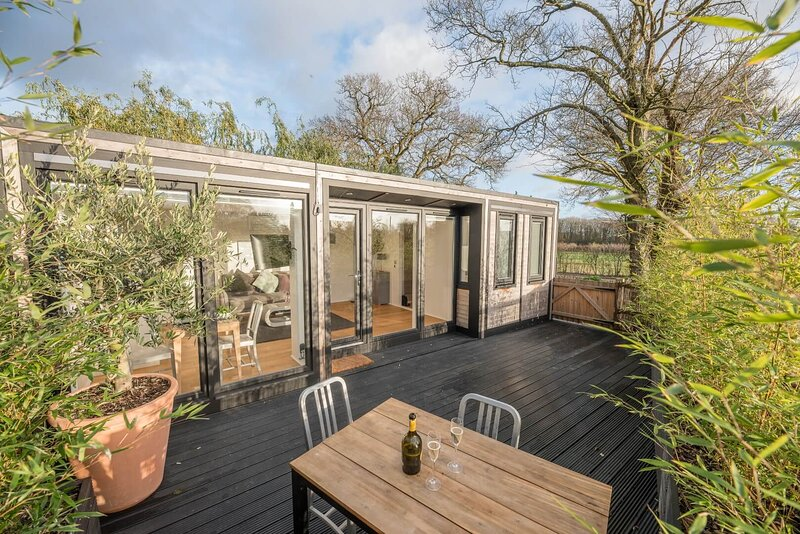 Paddock End, Boulge (Brand New Luxury Pod), holiday rental in Easton