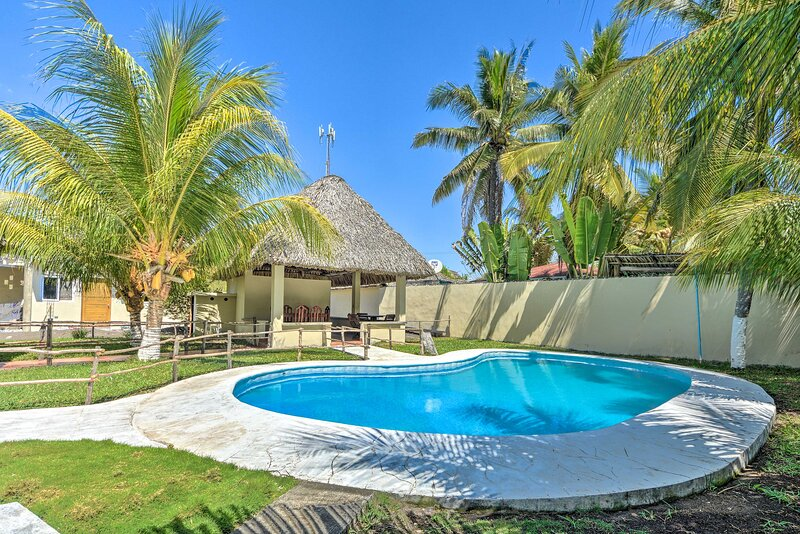 Guatemala Beachfront Villa w/ Direct Beach Access!, vacation rental in Santa Rosa Department