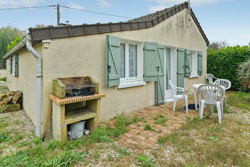 Amazing house with garden & terrace, holiday rental in Sainte-Colombe
