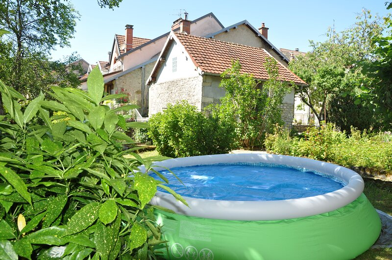 Amazing house with terrace & Wifi, alquiler vacacional en Montfaucon