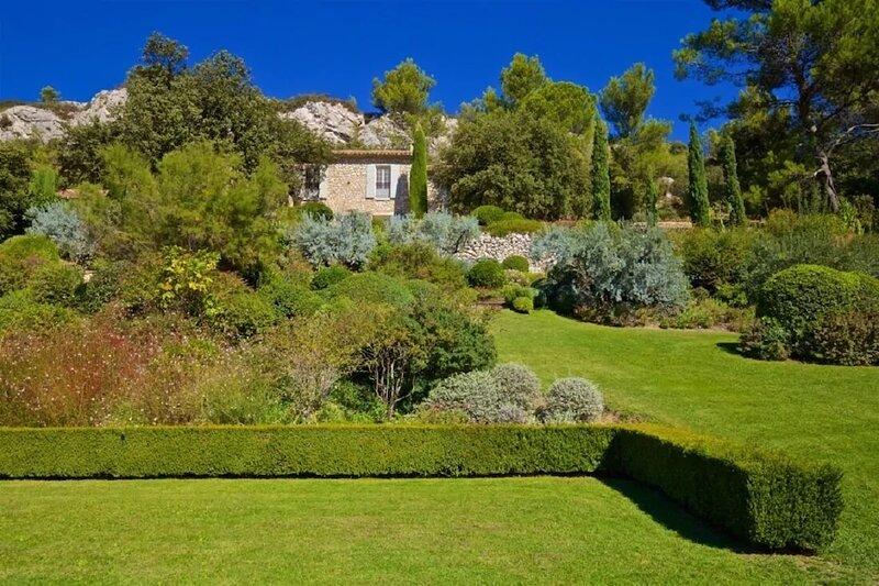 Les Baux de Provence Villa-A palatial 5 bedroom luxury villa awaits you, vacation rental in Les Baux de Provence