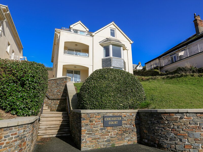 6 CHICHESTER COURT, Spacious apartment situated in exclusive development, south, holiday rental in Hope Cove