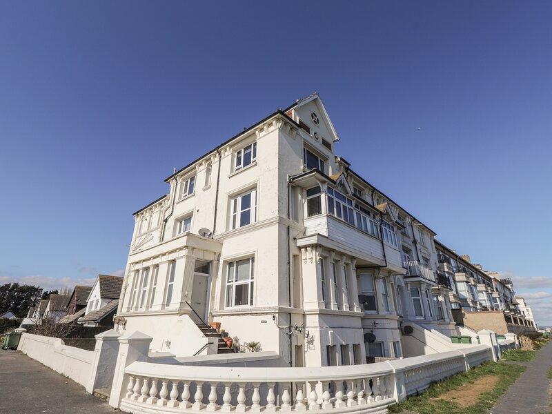Littlestone Beach Apartment, Greatstone-On-Sea, vacation rental in Dymchurch