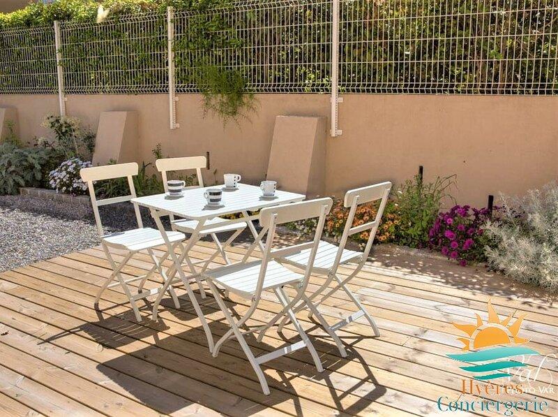 Appartement coquet 3* à 300m de la mer Les Bonnettes, casa vacanza a Le Pradet