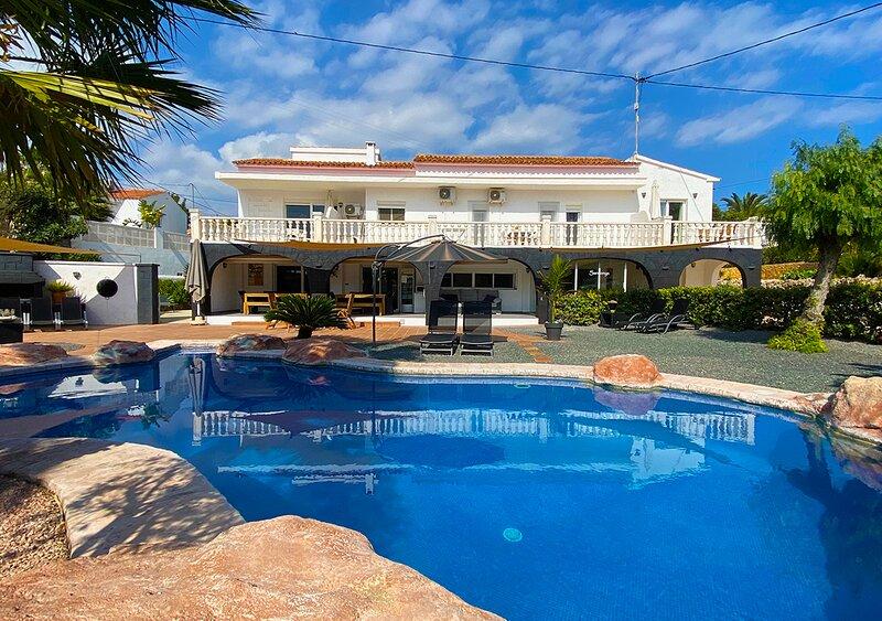 Villa Sardonyx - CostaBlancaDreams, holiday rental in La Llobella