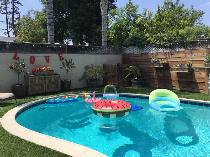 Beautiful, Peaceful House + Pool, BBQ, Firepits, casa vacanza a San Fernando