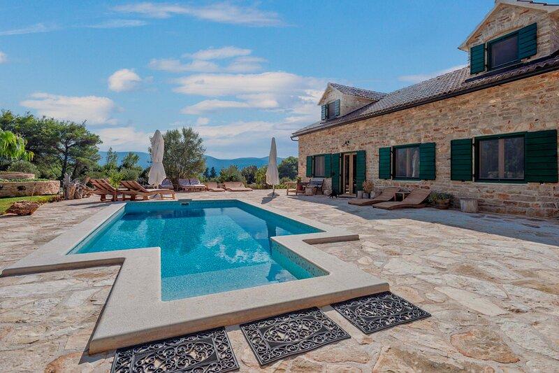 Stone Villa Harpocrates, on the Island of Hvar, holiday rental in Dol