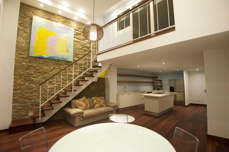 Luxury loft in Casco Antiguo by The Perfect-Host, aluguéis de temporada em Isla Taboga