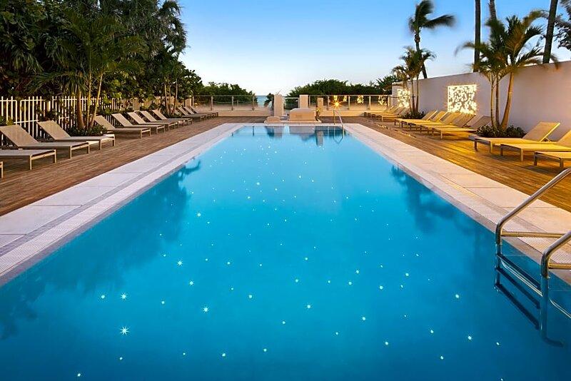 BEACHFRONT Studio at a Condo Hotel  Miami Beach, 2 double beds, holiday rental in Miami Beach