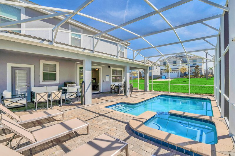 Family Resort - 8BR Mansion - Private Pool, Hot Tub and BBQ!, location de vacances à ChampionsGate