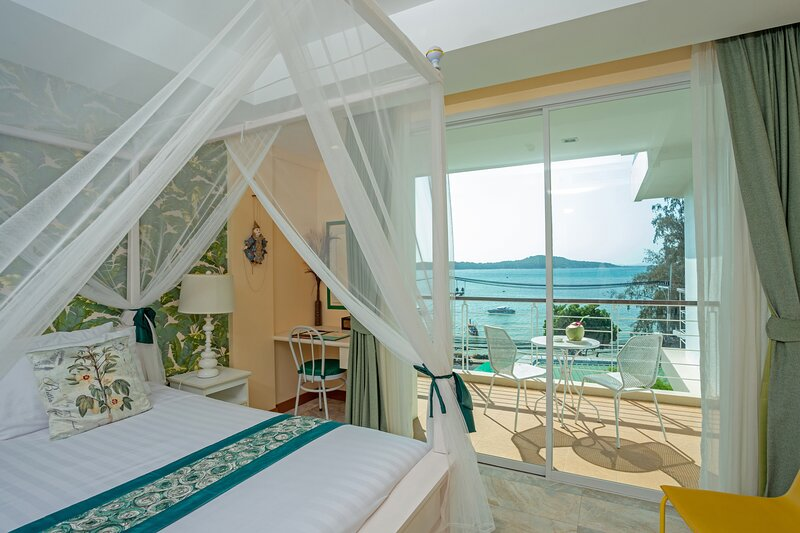 Charming Sea View Studio on Rawai Beach - Phuket², casa vacanza a Ko He