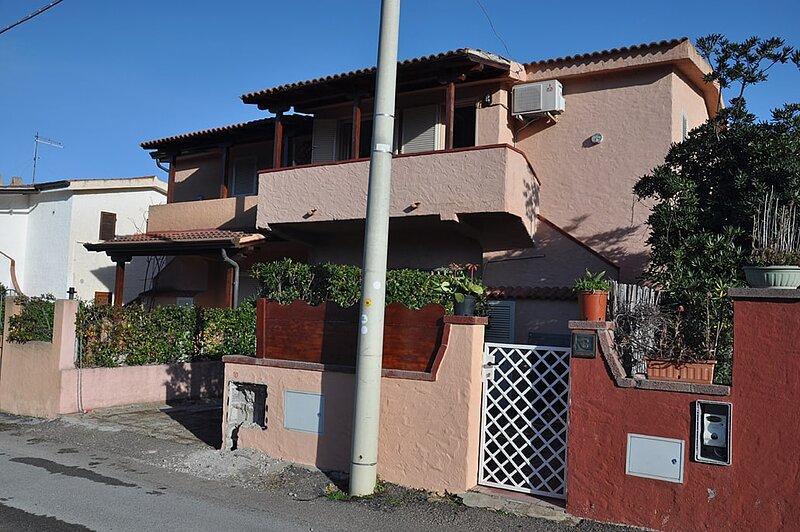 Apartment Mammina, holiday rental in Agrustos