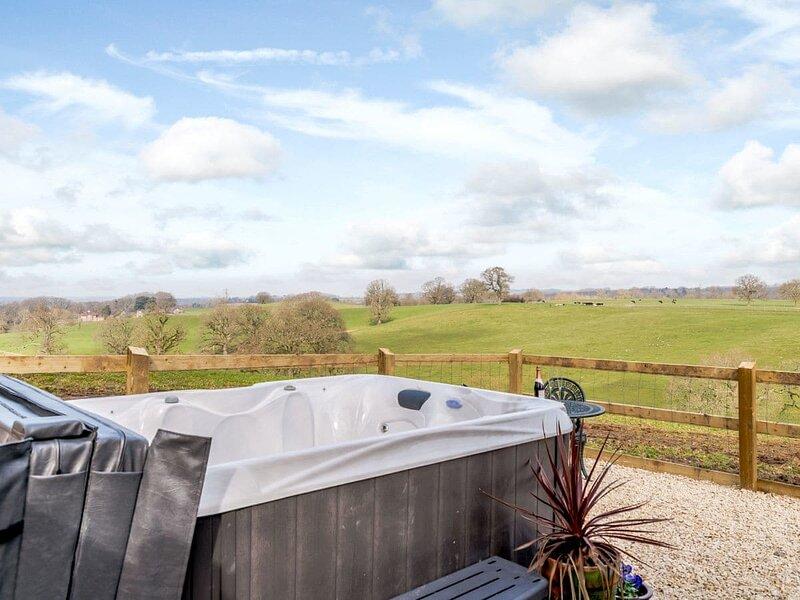 Spire View Hut, holiday rental in Britford
