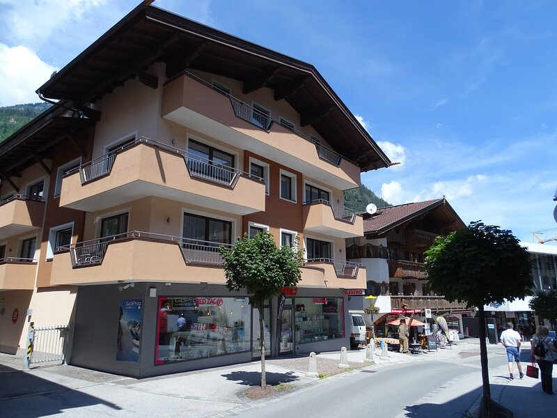 Appartements Windschnur 4 persons - Enzian, holiday rental in Mayrhofen