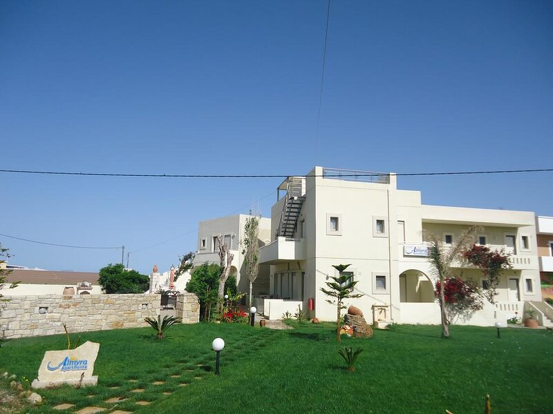Family Apartment With Sea View And Swimming Pool, holiday rental in Sfakaki