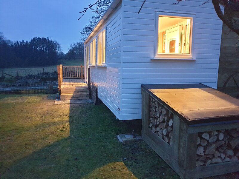 Lovely Riverside Cabin in Shropshire, holiday rental in Burlton