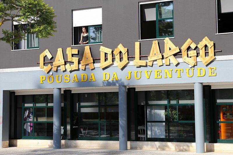HI SETUBAL CASA DO LARGO POUSADA DE JUVENTUDE, holiday rental in Setubal