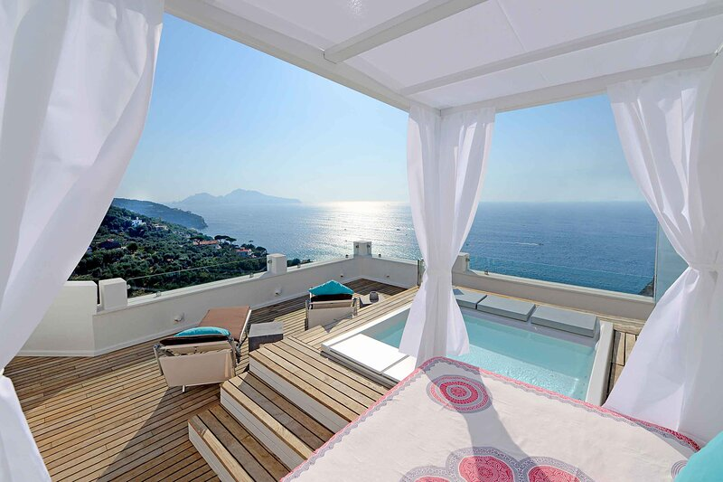 Villazzano II Villa Sleeps 5 with Air Con and WiFi - 5883658, vacation rental in Marina di Puolo