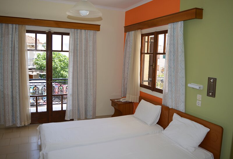 2 Bedroom Street View Apartment (5 persons) - SunBliss Studios & Apartments, holiday rental in Alykes