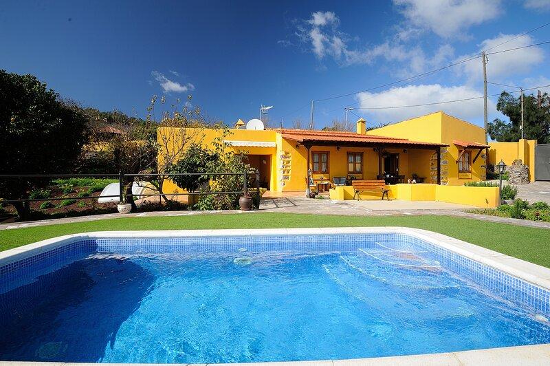 Nice villa with swimming-pool, holiday rental in Llano del Moro