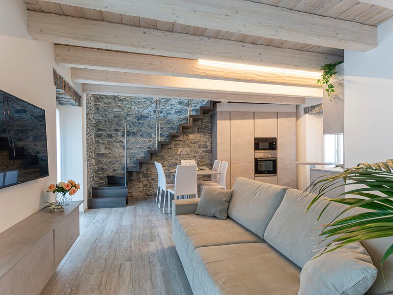 Olga House (AGG100), alquiler vacacional en Argegno