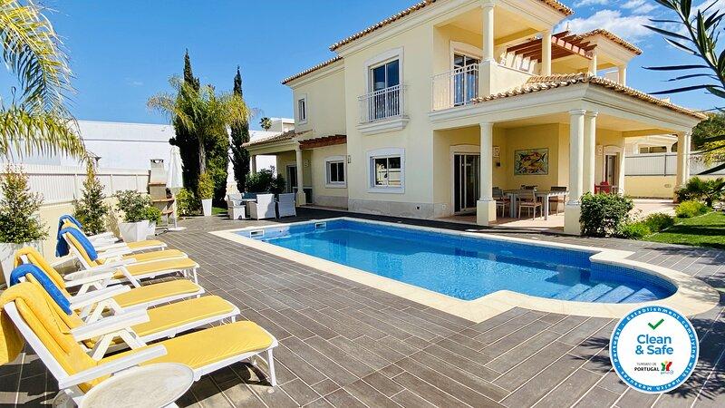 Sunshine CIP, holiday rental in Sesmarias
