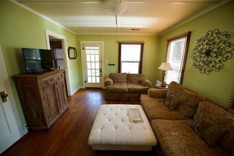 Cozy Main Street Cottage w/ Private Backyard - Near Dining, Shops, & Hiking, vacation rental in Valley Springs