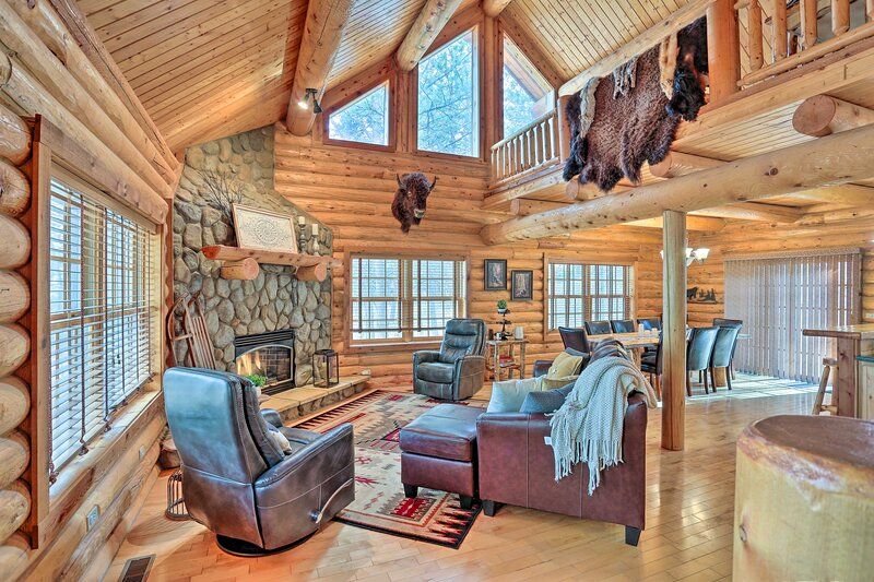 NEW! Family Cabin Retreat - 10 Mi to Rapid City!, vacation rental in Black Hawk