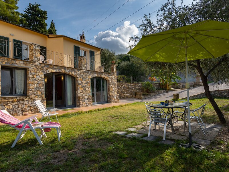 Luna (IMP521), vacation rental in Oneglia