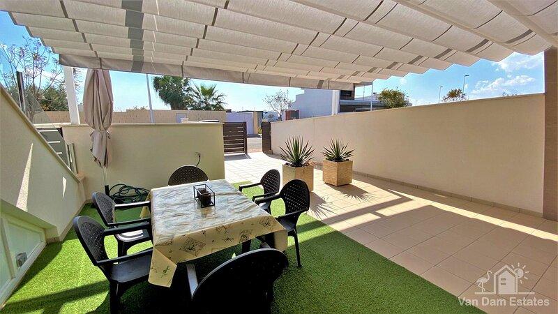 VDE-055 Sunny South-facing 3 bedroom ground floor apartment close to beach, location de vacances à San Pedro del Pinatar