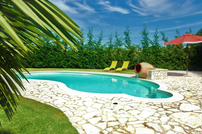 Villa Carta Fashion con piscina, holiday rental in Punta Raisi