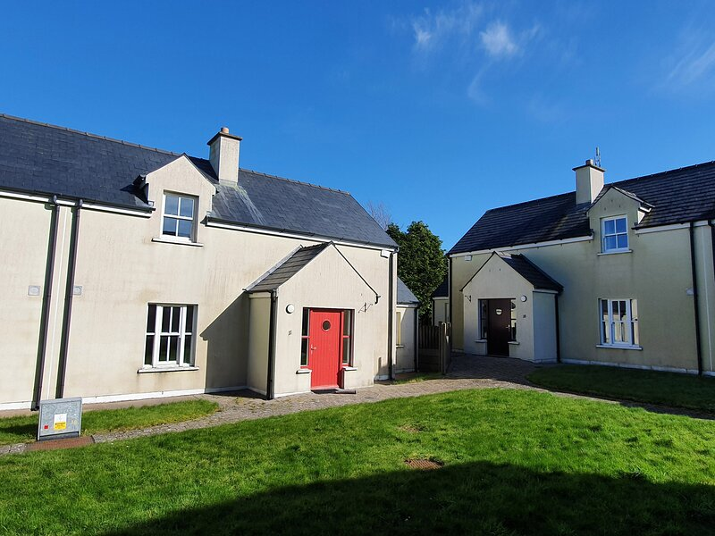 11 An Seanachai Holiday Homes, Ring, County Waterford, holiday rental in Lismore