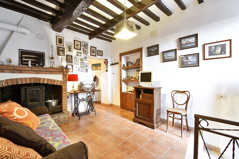 Nice apartment in Roccastrada, vacation rental in Ribolla
